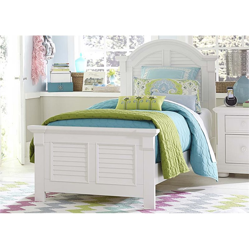 Liberty Furniture Summer House Full Panel Bed in Oyster White