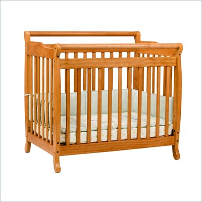 DaVinci Emily Mini 2-in-1 Convertible Wood Baby Crib Set With Changing Table in Honey Oak