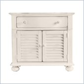 Stanley Furniture Coastal Living Cottage Summerhouse Bachelors Chest in Sand Dollar