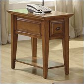 Riverside Furniture Oak Ridge Chairside End Table in Warm Oak