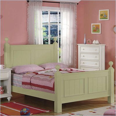 Riverside Furniture Splash of Color Queen Panel Bed in Ivy