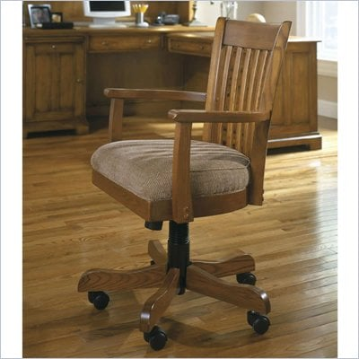 Riverside Furniture Woodland's Oak Bankers Desk Chair
