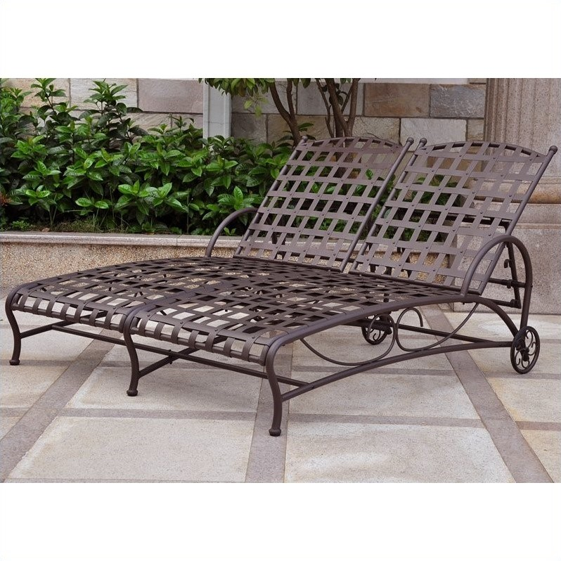 Features for Chaise longue double exterieur