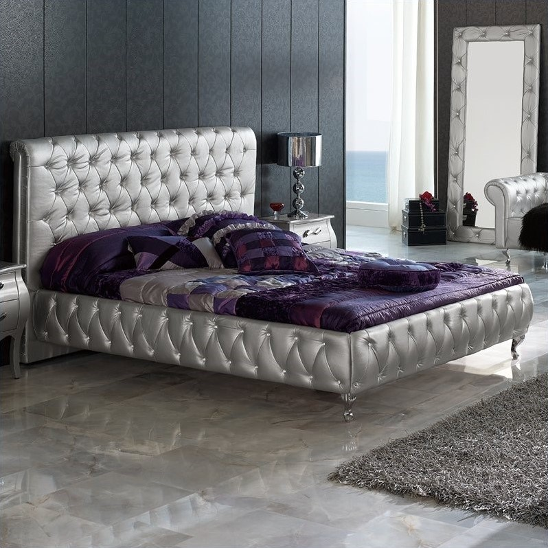 Dupen Lorena Bed in Silver-King