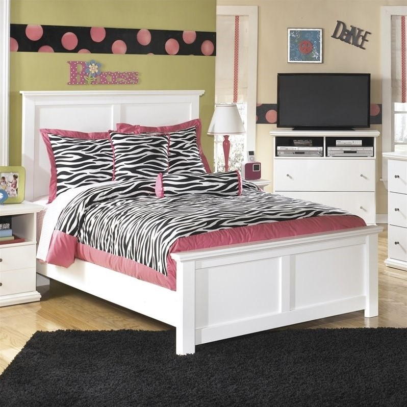 Ashley Bostwick Shoals Wood Full Panel Bed in White