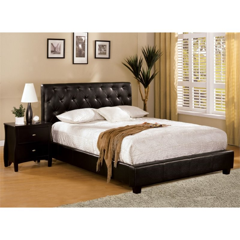 Furniture of America Naylor Queen Tufted Leather Platform Bed