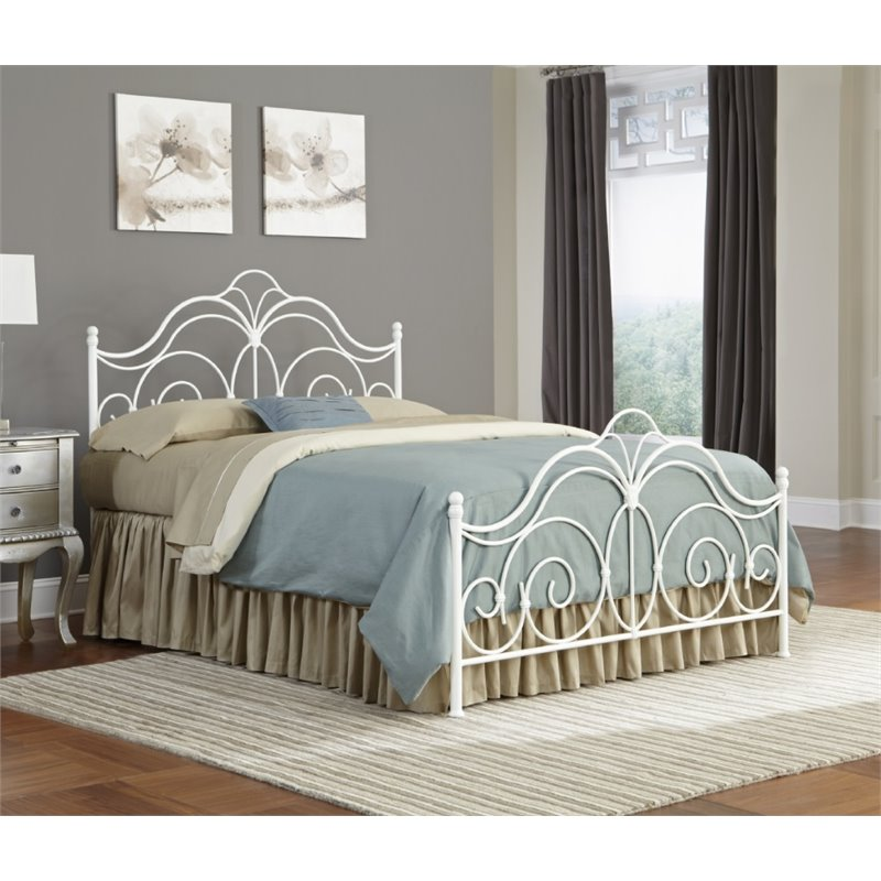 Pemberly Row Queen Bed in Glossy White