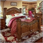 Wynwood Cordoba Queen Mansion Bed in Burnished Pine