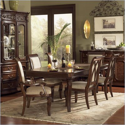 Wynwood Granada Leg Dining Table in Cordillera Pine Finish