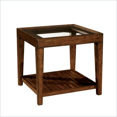 Wynwood SBH End Table w/ Glass Top in Tobacco 