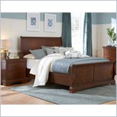 Broyhill Rhone Manor Sleigh Bed 2 Piece Bedroom Set in Toffee