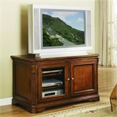 Hooker Furniture Brookhaven 44 Entertainment Console in Clear Cherry