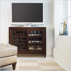 Hooker Furniture Ludlow 44.5 Inch Entertainment Console in Walnut