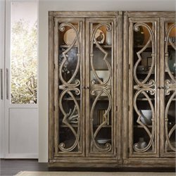 Hooker Furniture Solana Bunching 2-Door Curio Cabinet in Light Oak