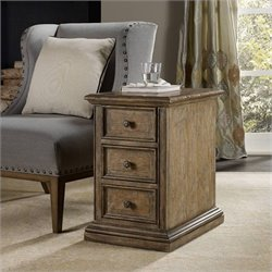 Hooker Furniture Solana 3-Drawer Chairside Chest in Light Oak