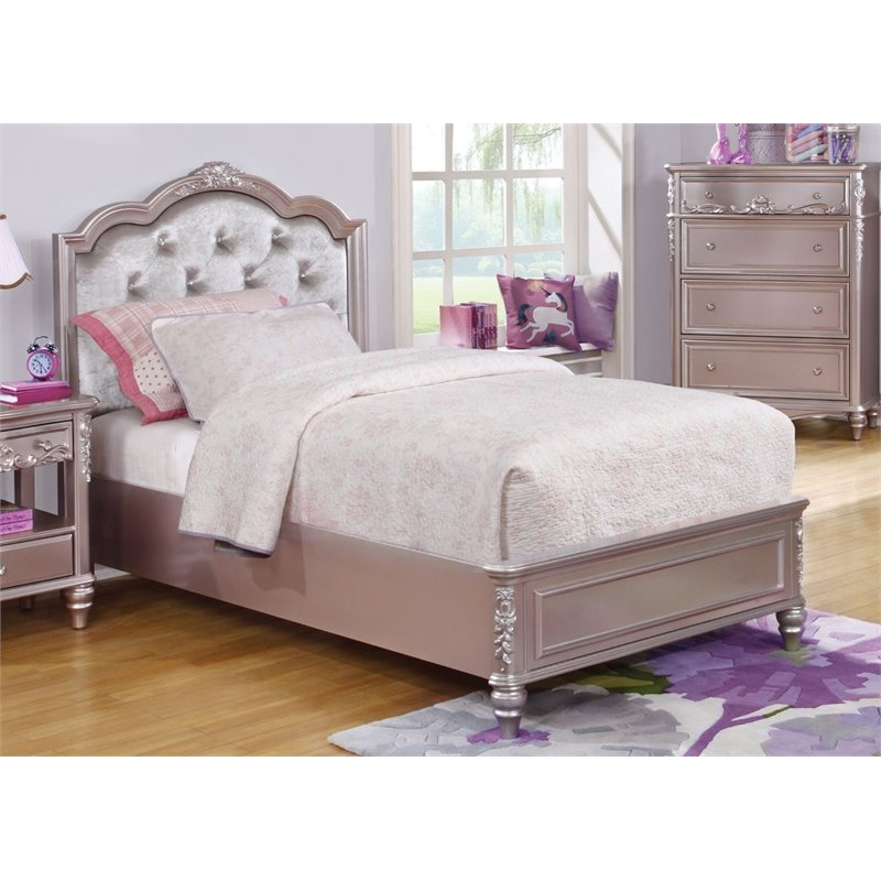 Coaster Caroline Tufted Queen Bed in Metallic Lilac