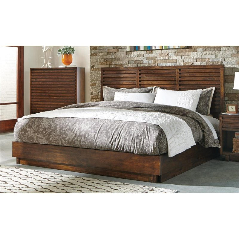 Coaster Queen Panel Bed in Aged Bourbon