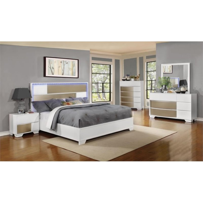 Coaster Havering 4 Piece King Panel Bedroom Set in Blanco and Sterling