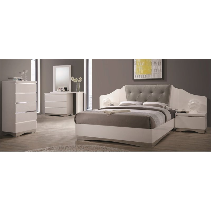 Coaster Alessandro 5 Piece Upholstered Queen Bedroom Set in White