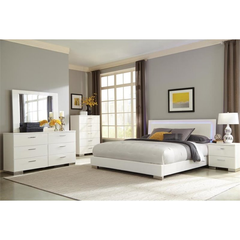 Coaster Felicity 5 Piece King Panel Bedroom Set in Glossy White