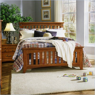 Standard City Park Wood Slat Bed 2 Piece Bedroom Set in Cherry