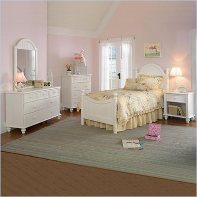 Hillsdale Westfield Wood Poster Bed 3 Piece Bedroom Set in Off-White Finish
