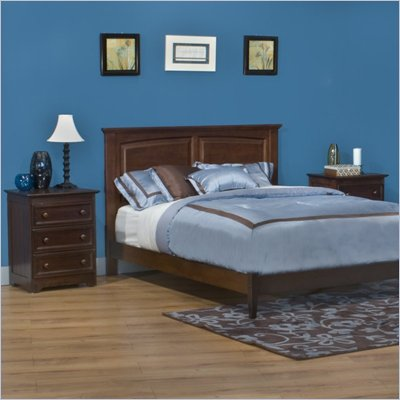 Atlantic Furniture Monterey Wood Platform Bed with Open Footrail 5 Piece Bedroom Set