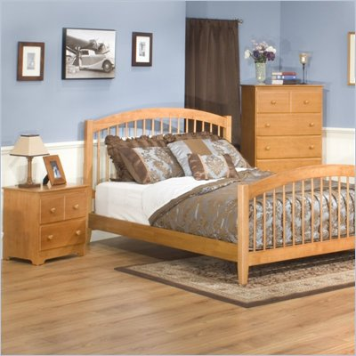 Atlantic Furniture Windsor Platform Bed with Matching Footboard 2 Piece Bedroom Set