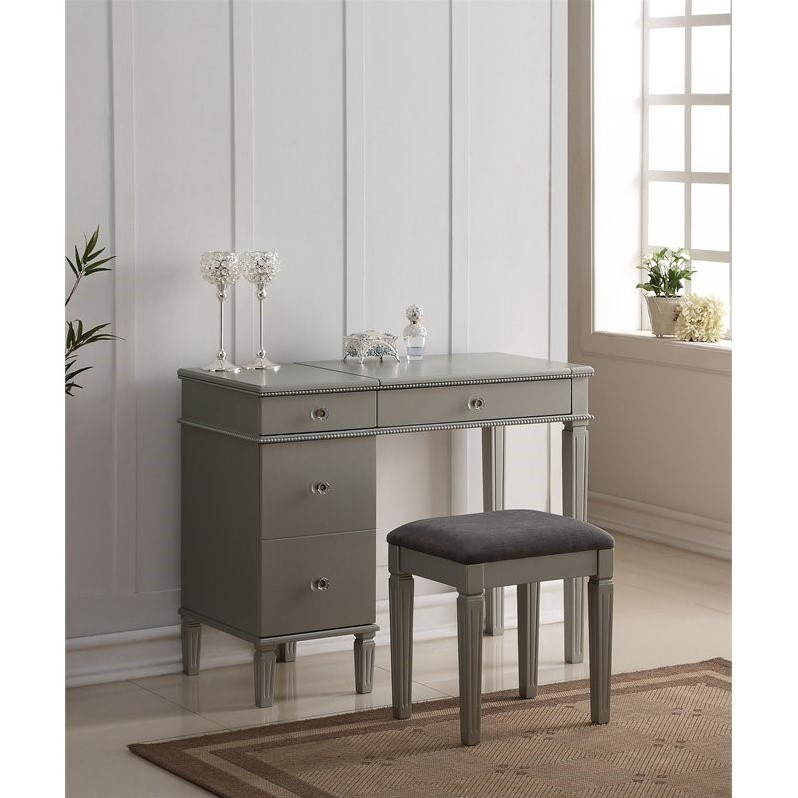 Bedroom Vanity Set In Silver