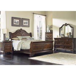 Highland Court 5 Piece Sleigh Bedroom Set in Rich Cognac DMCN
