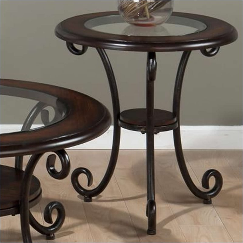 Round End Table in Amelia Pine