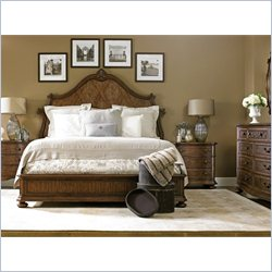 Stanley Furniture Villa Fiora 5-Piece Bedroom Set in Toasted Pecan with Mirror