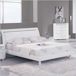 Global Furniture USA Emily Sleigh Bed in White - Queen