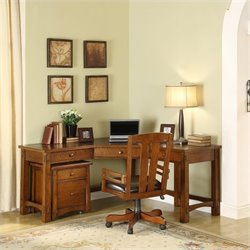 Riverside Furniture Craftsman Home Corner Computer Desk in Oak