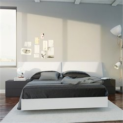 4 Piece Full Bedroom Set in White and Black