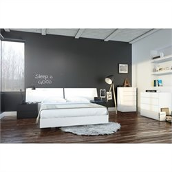 6 Piece Queen Bedroom Set in White and Black