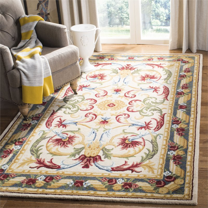 Safavieh Blossom 5' x 8' Hand Tufted Wool Rug in Ivory and Green