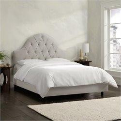 Skyline Furniture Arch Tufted Bed in Light Gray - California King