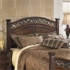 Signature Design by Ashley Furniture Leahlyn Panel Headboard in Brown