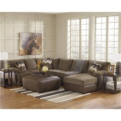 Ashley Cladio 4 Piece Right Sectional in Hickory