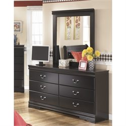Ashley Huey Vineyards 2 Piece Wood Dresser Set in Brown