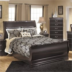 Esmarelda Wood Sleigh Bed in Merlot