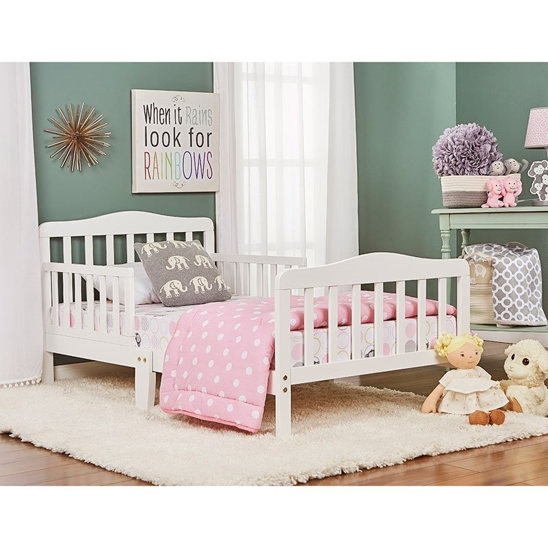 Dream On Me Classic Design Toddler Bed In White