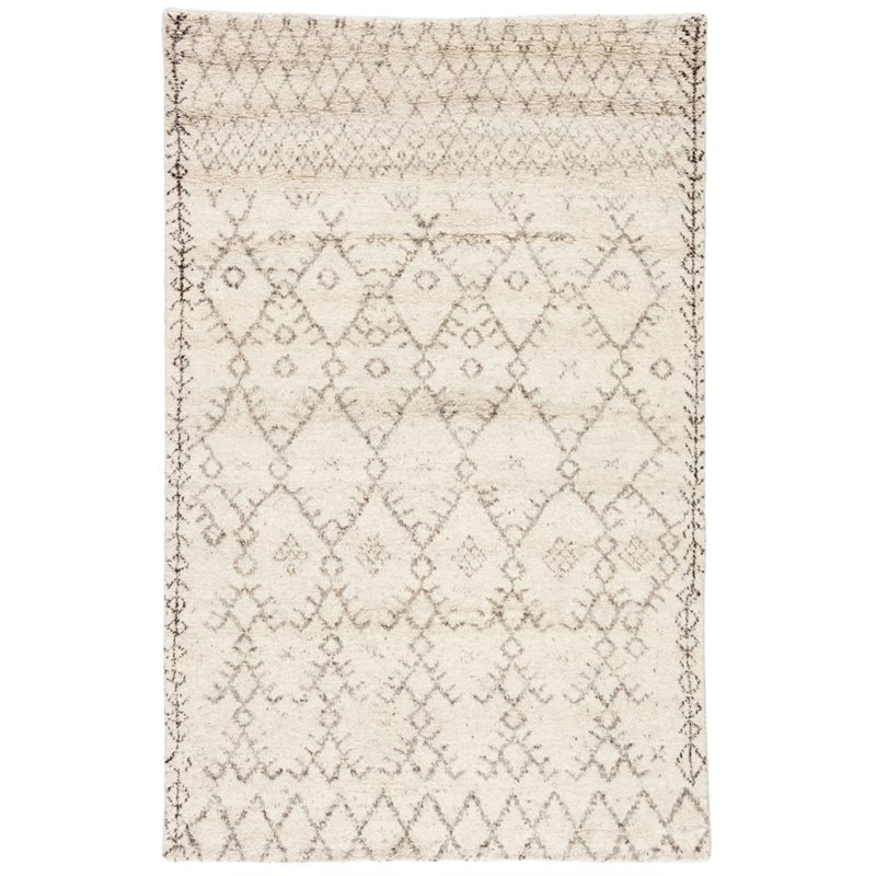 Hand Knotted Wool Rug in Ivory