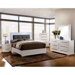 Rayland 4 Piece Bedroom Set in White