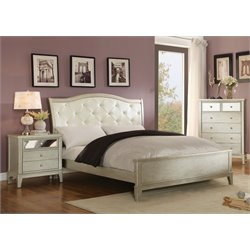 Bessie 3 Piece Bedroom Set in Silver