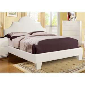 Lacy Elegant Bed in White