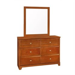 Bowery Hill 6 Drawer Dresser in Honey