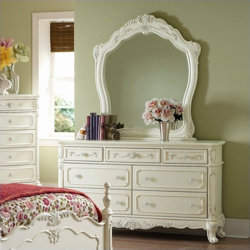 Cinderella Double Dresser and Mirror Set in Ecru Finish