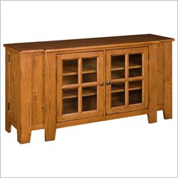 Broyhill Attic Heirlooms Entertainment Console in Oak